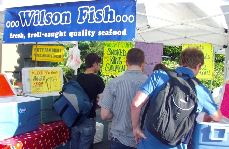 Long lines, as usual, at Wilson Fish on July 15th. Photo copyright 2009 by Zachary D. Lyons.