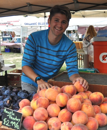 Will from Collins Family Orchards at Wallingford Farmers Market. Copyright Zachary D. Lyons.