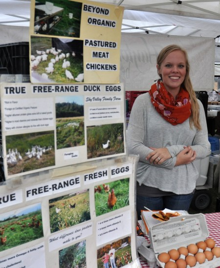 Caitlin from Sky Valley Family Farm at Wallingford Farmers Market. Copyright Zachary D. Lyons.
