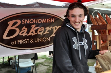 Derek from Snohomish Bakery at Wallingford Farmers Market. Copyright Zachary D. Lyons.